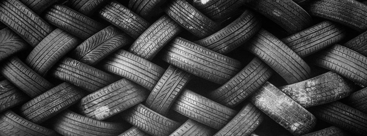 Empilement de pneus